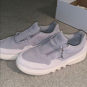 Air Jordan's light gray, size 9.5